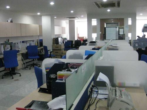 Jual gedung perkantoran di tanah abang jakarta pusat for Small meeting room jakarta selatan
